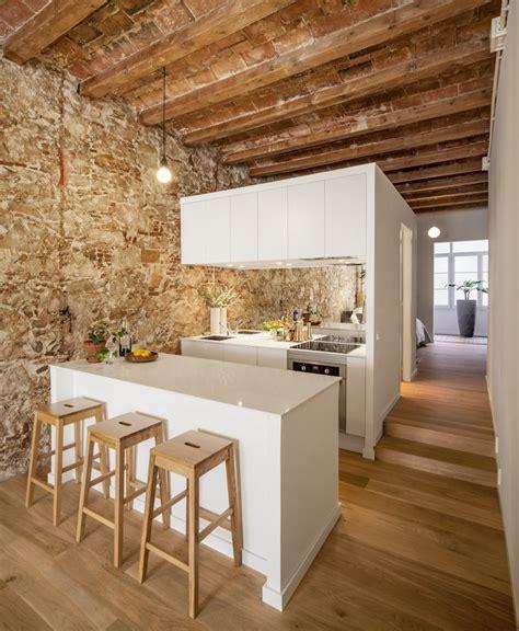 Muebles En Merida #2: Les-Corts-Stone-Wall-Apartment_1.jpg
