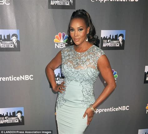Worst Dress Of The Year Vivica Fox In Naeem Khan by Apprentice S Vivica A Fox Is Dating Chocolate