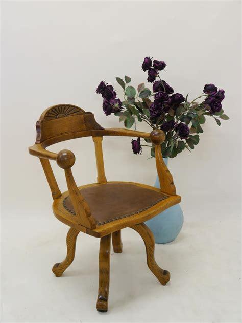 stuhl um 1920 stuhl drehstuhl b 252 rostuhl armlehnstuhl antik um 1920 aus