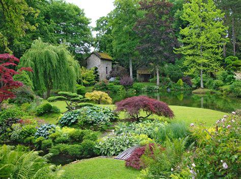Quel Arbre Planter Proche D Une Maison by Arbres Et Arbustes Choisir Des Esp 232 Ces Originales Pour