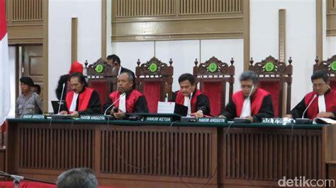 ahok meninggal anggota majelis hakim ahok meninggal ini penggantinya
