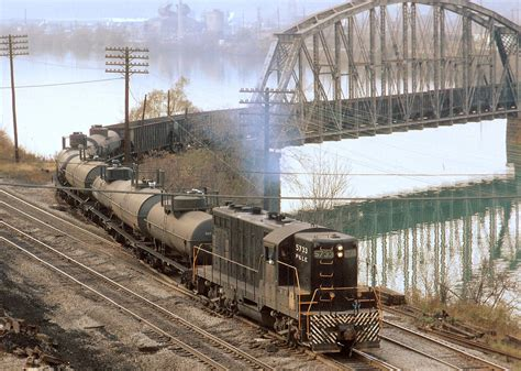 Le Cground Erie Pa by Pittsburgh And Lake Erie Local Freight Powered By 1500 Hp