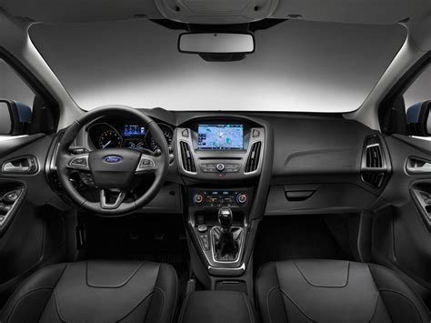 2015 Focus Interior by Novo Focus 2015 Enfrenta Vw Golf 7 Em Comparativo Car
