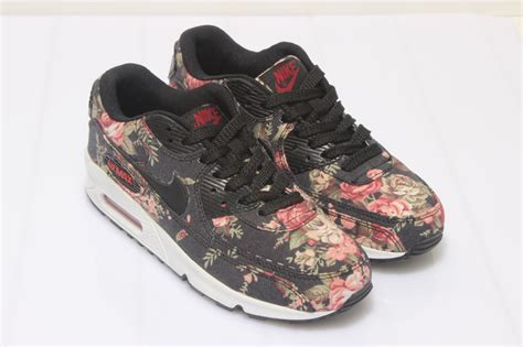 Nike Airmax Flower Pink nike air max 90 flowers trainers pretty pink and beige