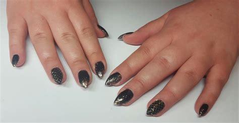 Zwarte Gelnagels by Foto S Zwarte Nagels Nageltips Zwart Gelakt Nagelsalon