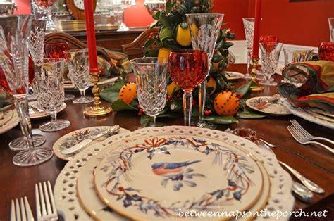 colonial williamsburg christmas table setting   lemon  lime tree centerpiece