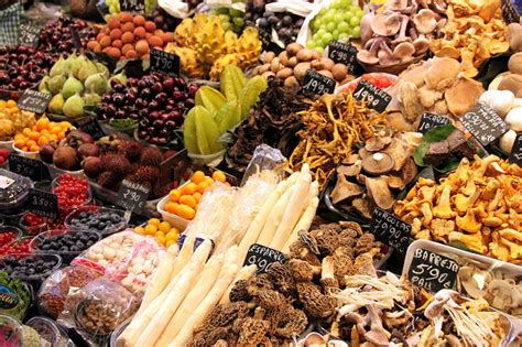 best food blogs in the world a foodie s guide to marvellous markets of the world