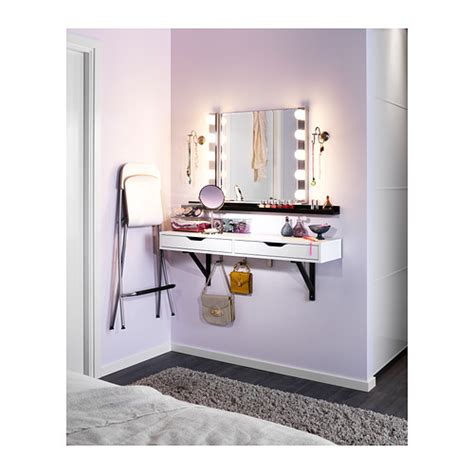 Lighting For Makeup Vanity by Recommendations For Vanity Lights Makeupaddiction
