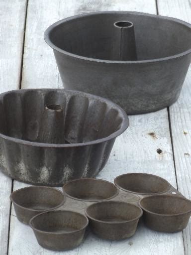 antique baking tins primitive  tinned steel cake molds muffin pan