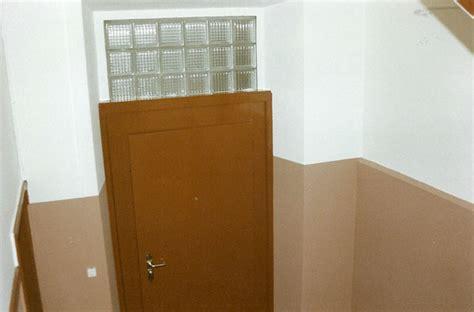 Decke Lasieren by Renovation Treppenhaus Malerarbeiten Tapezieren