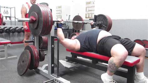raw bench press training collin rhodes 515 raw bench press strength training