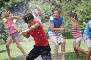 Backyard Pool Party 5 Cool Water Balloon Games And Fight Ideas Games And