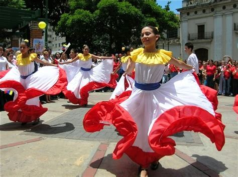 what clothes do venezuelans wear on christmas culture of cultures