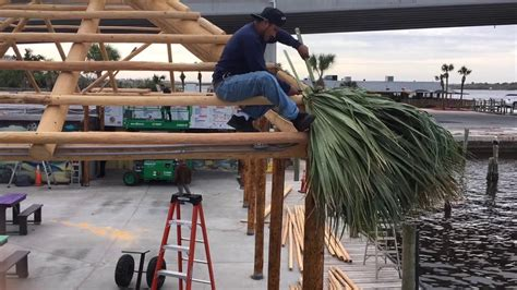 How To Build A Tiki Hut Roof by Building A Tiki Hut Thatching The Roof