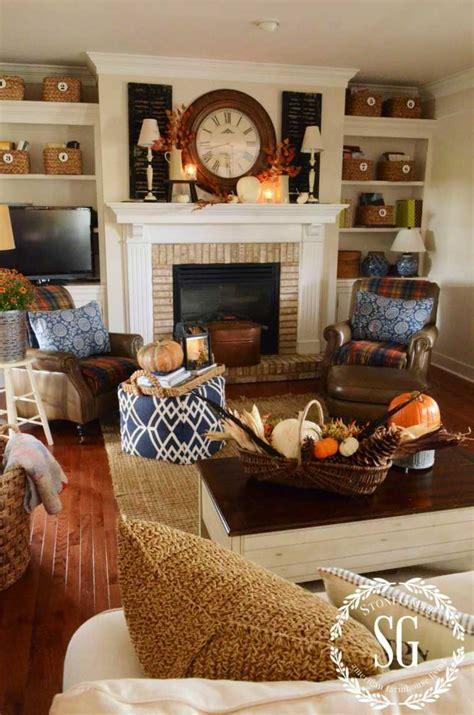 family room fireplace fall 2011 hooked on houses d 233 co automne pour un int 233 rieur chaleureux
