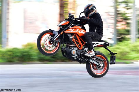 Ktm Duke 390 2017 Ktm 390 Duke Review Motorcycle