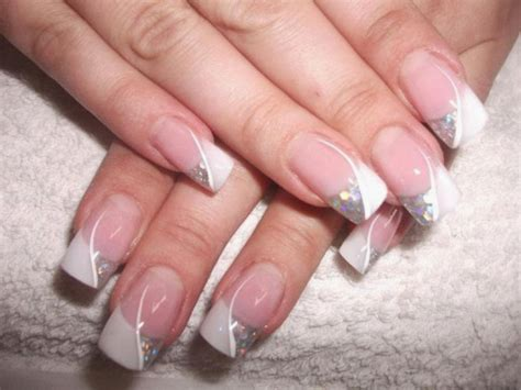Auto Tip Wedding by White Tip With Gold Glitter Flowers Design Wedding Nail Art