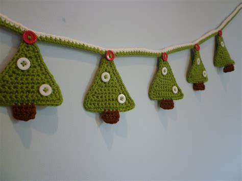 free crochet pattern for christmas tree garland crochpet bunting hand crochet christmas tree bunting by