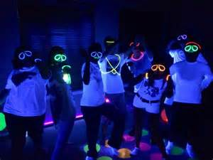 Urban 57 Home Decor Design by Party Themes Neon Party Glow In The Dark Party Ideas