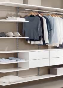 regalsysteme begehbarer kleiderschrank die besten 25 begehbarer kleiderschrank system ideen auf