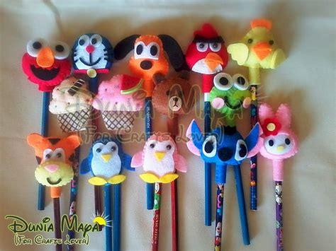 Boneka Karakter Dari Flanel jual pensil boneka karakter kain flanel souvenir q ta cell