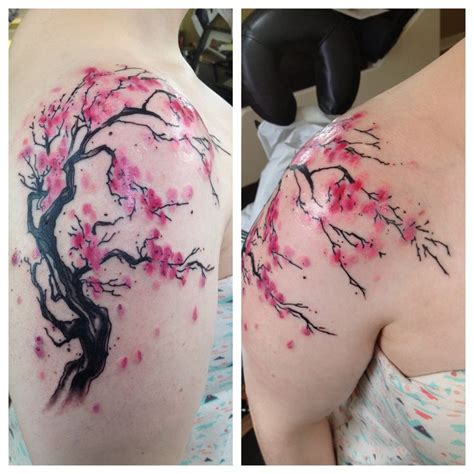 watercolor tattoos cherry blossoms best 25 watercolor shoulder ideas on