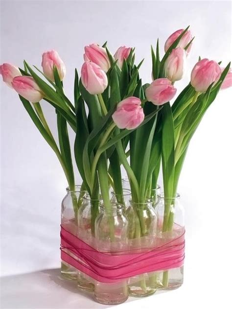 tulips arrangements simple tulip arrangement flower arrangement ideas