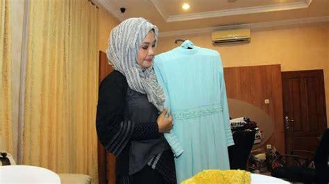 Baju Yoko Anak iriana jokowi pesan baju muslim sederhana untuk pernikahan