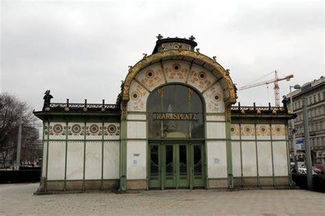 otto pavillon karlsplatz stadtbahn station in vienna