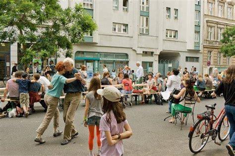 tafel potsdam gratis in berlin lange tafel potsdam luisenplatz vor dem