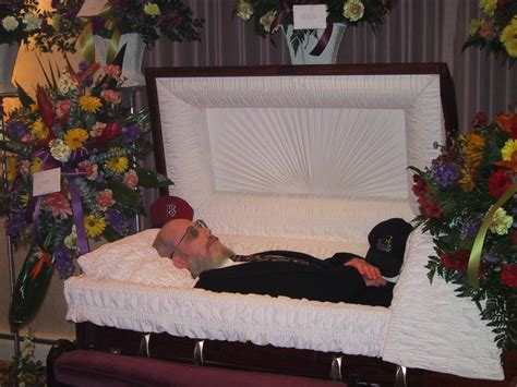 famous people in their caskets dead people in caskets www imgkid com the image kid