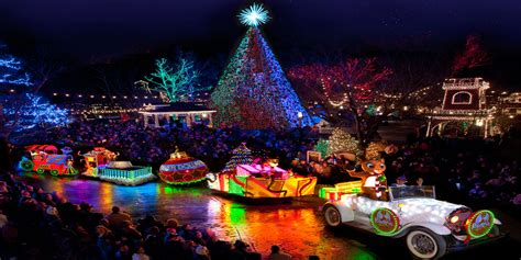 theme parks guaranteed    family   holiday spirit family vacation critic