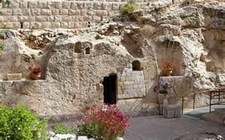 garden he is not here for he is risen cush