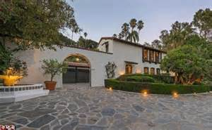 Driveway Awnings Robert Pattinson Sells Home He Shared With Kristen Stewart