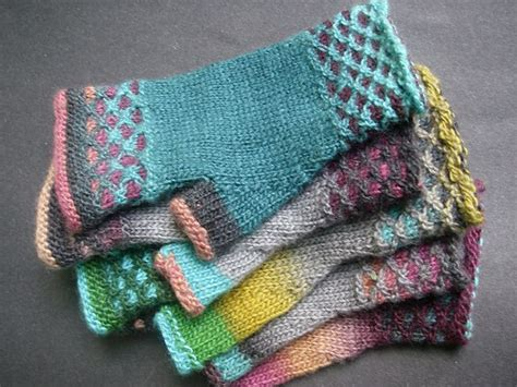 magic mittens pattern 20517 best knitting images on pinterest knitting