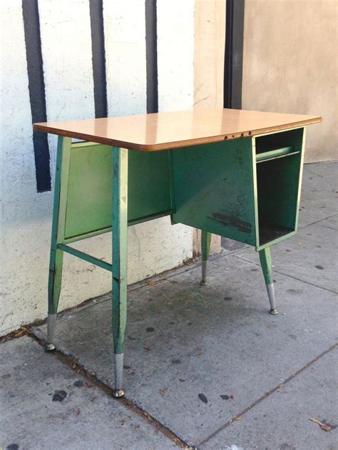 Vintage School Desk Chair Combo by Best 25 Vintage School Desks Ideas On School