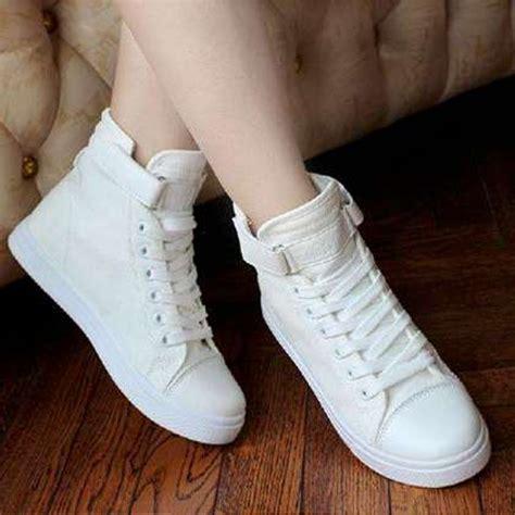 Sepatu Wanita Sepatu Boots Rantai Putih jual sepatu boots wanita sneakers putih 681 di lapak gs shop lapakgs