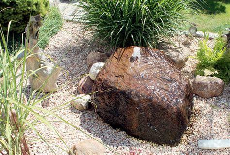 garten mit quellstein gestalten quellsteine und brunnen 252 r den garten bei mabah in