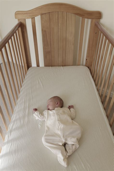 baby sleep in room with parents parents should sleep in the same room with babies to help prevent sids aap says