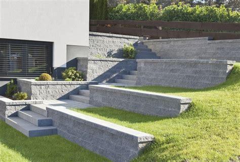 Betonplatten Im Garten Verlegen 25 Ideen F 252 R Gehwege Garten Wasserfall Trockenmauer Naturstein