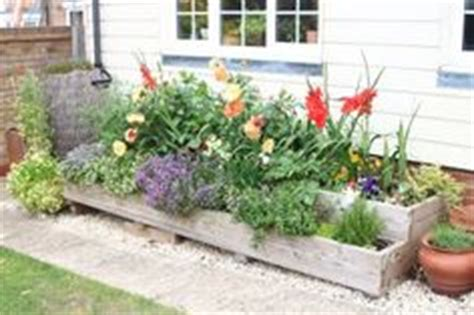 front yard planter ideas 1000 images about front yard ideas on front