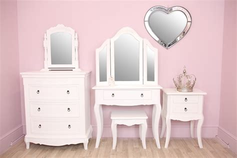 Used Cottage Furniture by Furniture Design Ideas All Vintage And Shabby Chic