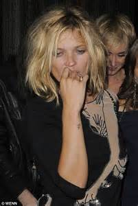 The 3am Worse For Wear Kate Moss And Osbourne Pair Up For A Out by From Catwalk To Can T Walk Kate Moss Leaves Fashion Show