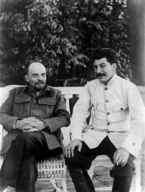 Beria Size S file 19220900 lenin stalin gorky 02 jpg wikimedia commons