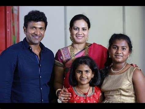 kannada film actor vajramuni family puneet rajkumar family children daughter wife photos