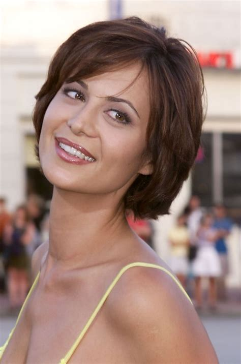 best short hairstyles for girls ohtopten easy to cut and style on your own let us help you