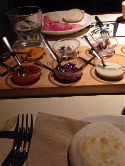 gnocco fritto pavia tigella itsciulia foto di tigella pavia