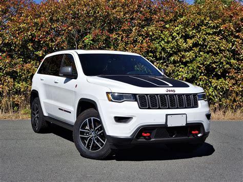 jeep grand trailhawk road 2017 jeep grand trailhawk 5 7 hemi road test