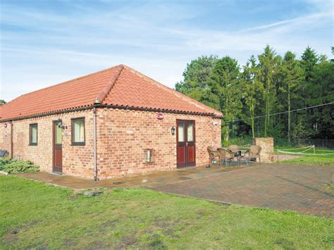 Cottages Lincolnshire by Piglet Cottage Blyton Carr Lincolnshire East Of