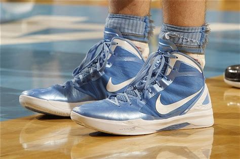 tar heels basketball shoes zeller who is going to fill his shoes next season